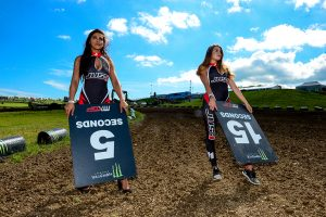 Grid Girls Uk Supplied Motorcross Startline Girls 08
